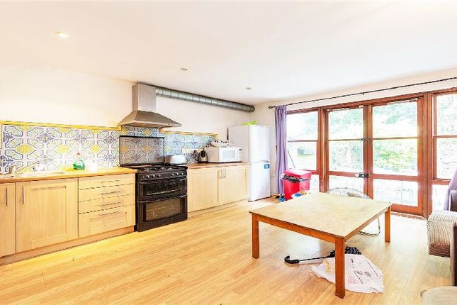 Thumbnail Property to rent in Brondesbury Park, London