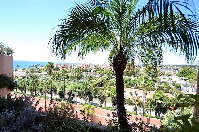 Apartment for sale in Kempinksi Hotel, New Golden Mile, Estepona