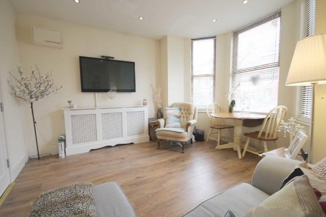 Thumbnail Flat to rent in Clifford Road, London