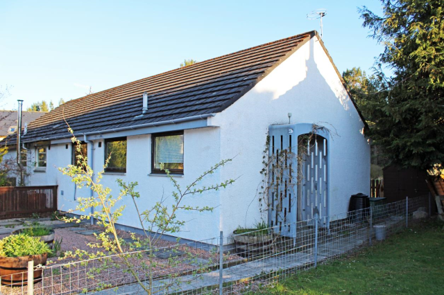 Thumbnail Bungalow to rent in School Place, Dulnain Bridge, Grantown-On-Spey, 3Pz