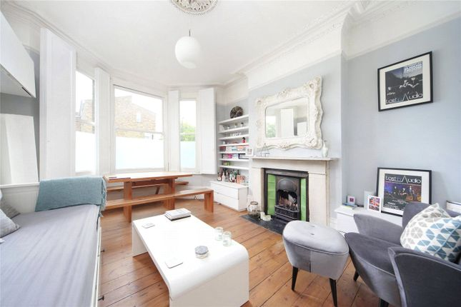 Thumbnail Flat to rent in Union Road, Clapham, London