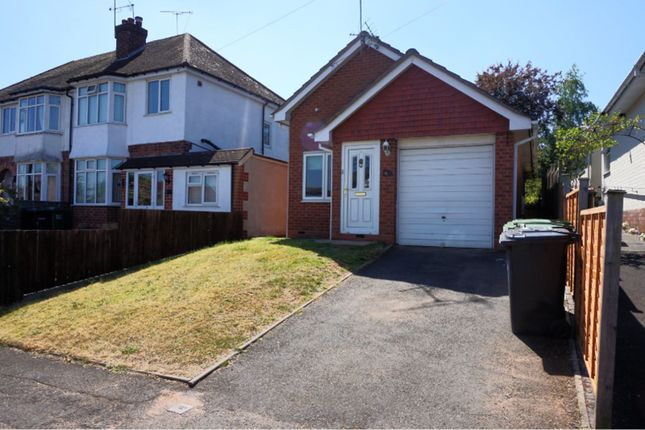 Thumbnail Detached bungalow to rent in Heathfield Crescent, Kidderminster