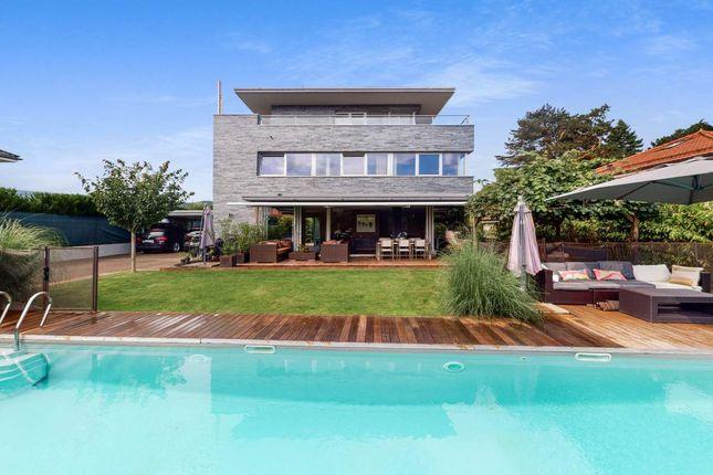 Thumbnail Villa for sale in Gland, Switzerland