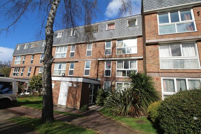 Thumbnail Flat to rent in Rusholme Grove, London