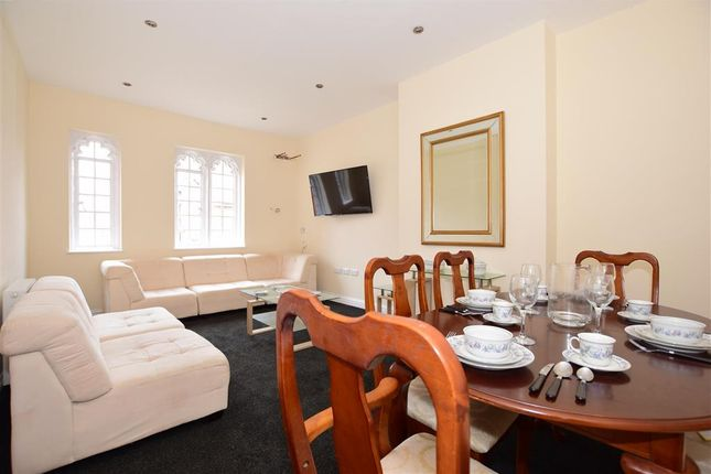 Thumbnail Town house for sale in Adelaide Grove, East Cowes, Isle Of Wight