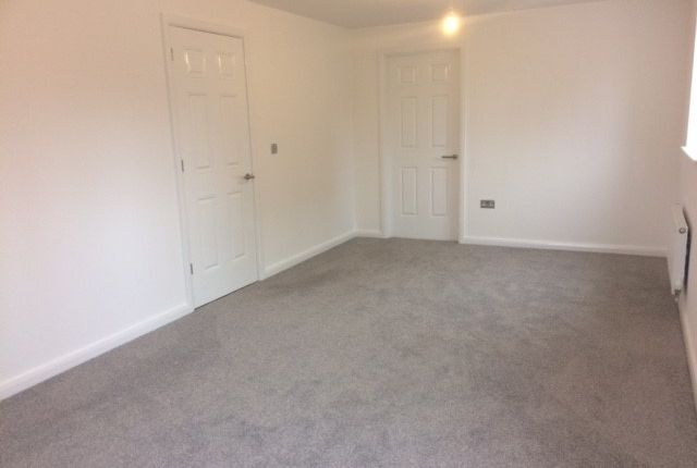 4 bedroom end terrace house for sale in Kingfield Road, Coventry