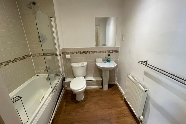 Thumbnail Flat to rent in Roberts Place, Dagenham, Essex