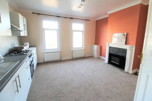 Thumbnail Flat to rent in Fairfield Road, West Drayton