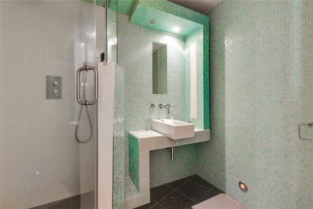 Bathroom of Craven Hill Gardens, London W2