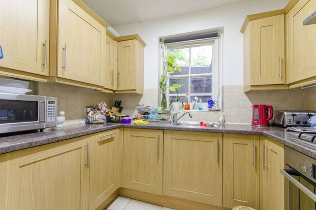 Thumbnail Flat for sale in Goldhurst Terrace, South Hampstead