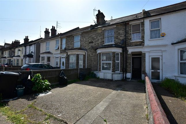 Picture No. 18 of Hayes Road, Clacton-On-Sea, Essex CO15