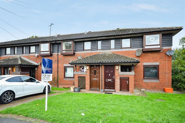 Thumbnail Maisonette for sale in Lorrimore Close, Billericay