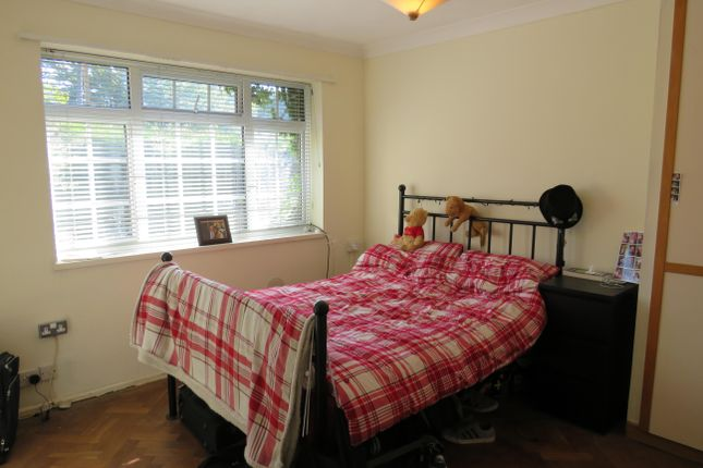 Thumbnail Semi-detached bungalow to rent in Manor Road, Burgess Hill