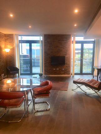 Thumbnail Flat to rent in Tea Trade Wharf, Shad Thames SE1, London