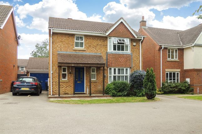 3 bed property for sale in Dewar Drive, Daventry NN11