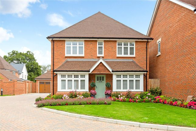 4 bed detached house for sale in Hydon Grove, Cranleigh, Surrey GU6