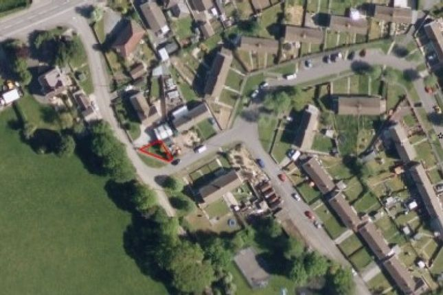 Thumbnail Land for sale in Bryngwenllian, Whitland