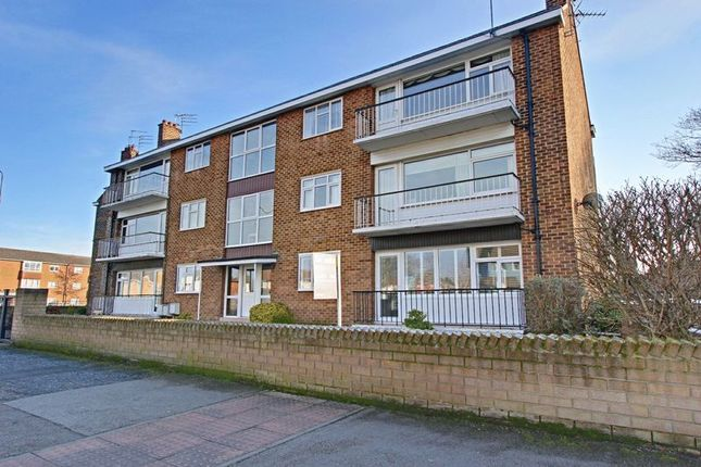 Thumbnail Flat for sale in Gorton Road, Willerby, Hull