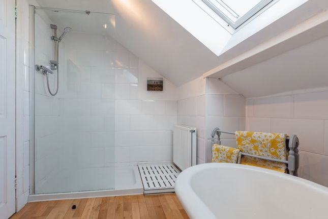 Family Bathroom of The Old School, Bowden, Melrose TD6