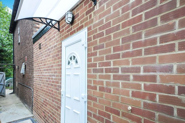 Thumbnail Studio to rent in Sidcup Road, London