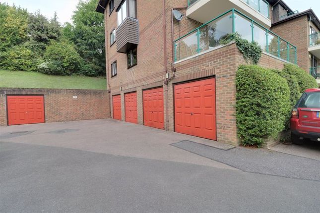 Photo 11 of Whytebeam View, Whyteleafe CR3