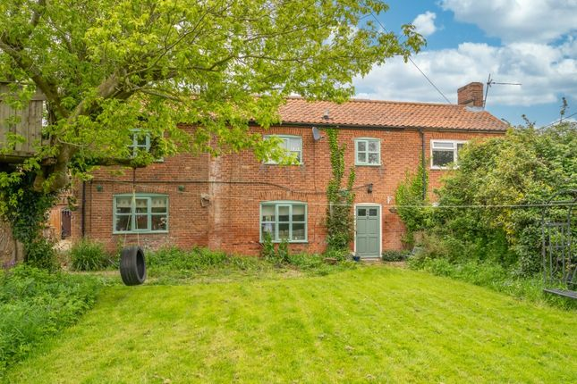 Thumbnail Semi-detached house for sale in The Green, Runhall, Norwich