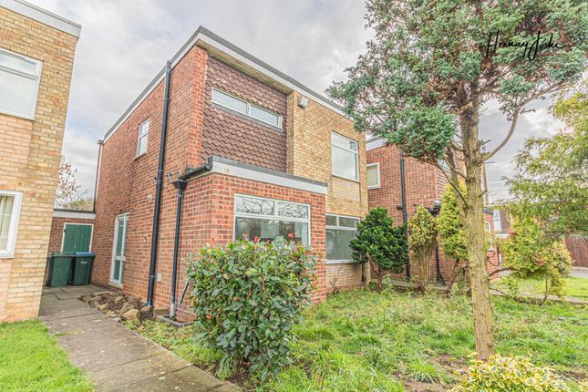 Link-detached house for sale in Barrow Close, Coventry