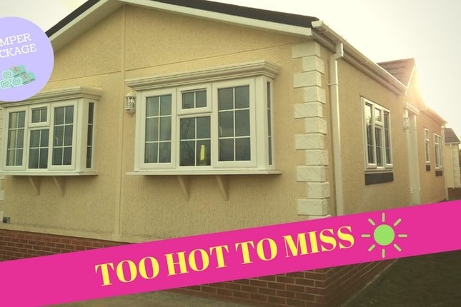 Thumbnail Mobile/park home for sale in Willow Brook, Deeside