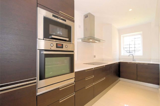 Thumbnail Flat to rent in Bentinck Close, Prince Albert Road, St Johns Wood, London