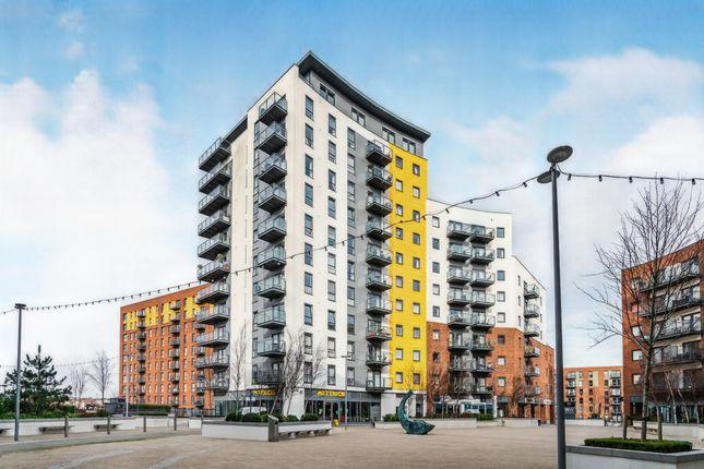 Thumbnail Flat for sale in Centenary Plaza, Southampton