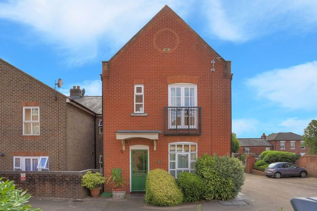 2 bed property to rent in Milliners Court, Lattimore Road, St.Albans AL1