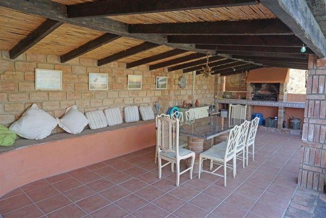 F105984_4_F105984 - Summer Kitchen