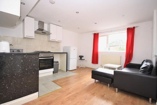 Thumbnail Flat to rent in Orlop Street, London
