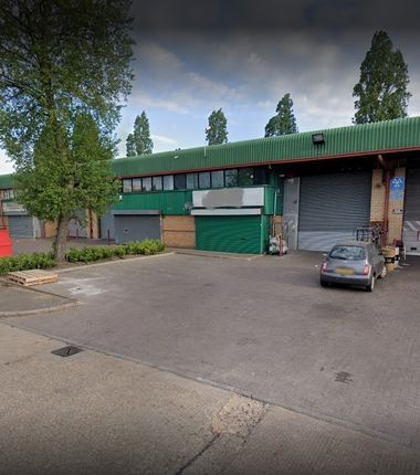 Thumbnail Warehouse to let in Barrett Industrial Park, Park Avenue, Southall