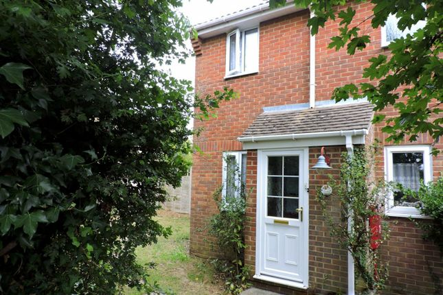 Thumbnail Semi-detached house to rent in Curlew Drive, Fareham