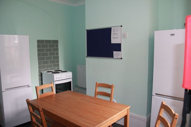 Thumbnail Town house to rent in New Road, Chatham, Kent