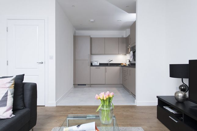Thumbnail Flat to rent in Rolling Mills Mews, Limehouse, London