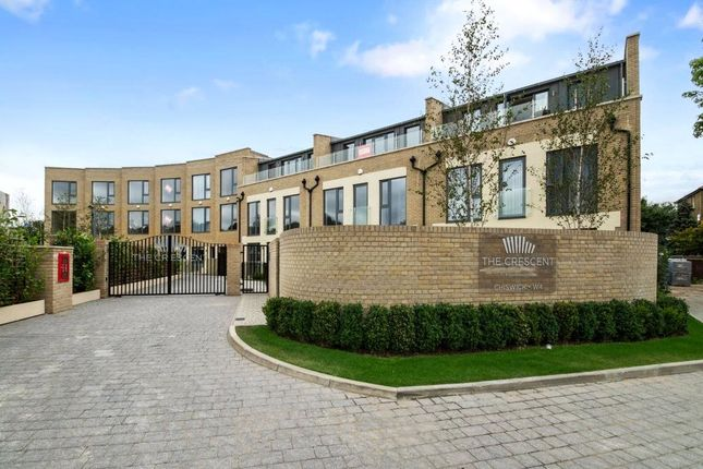 Thumbnail End terrace house to rent in Gunnersbury Mews, London