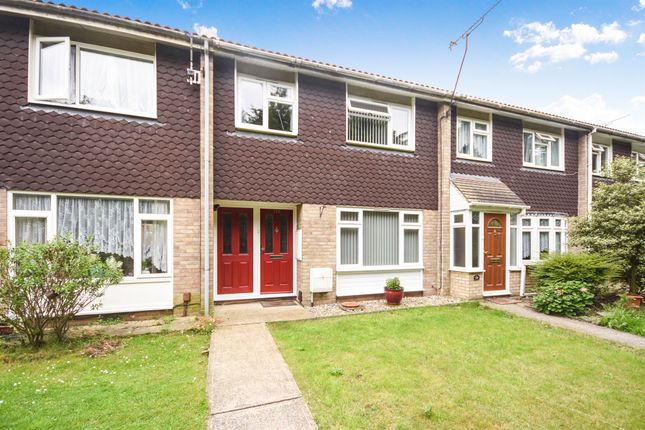 Thumbnail Terraced house for sale in Dorset Avenue, Great Baddow, Chelmsford