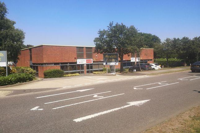 Thumbnail Warehouse to let in Mundells, Welwyn Garden City