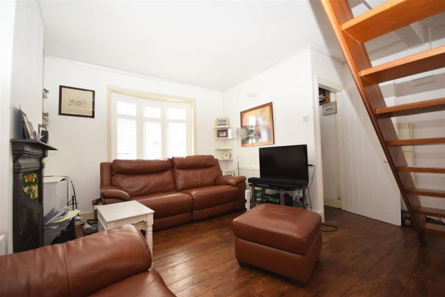 Terraced house for sale in Warwick Road, Twickenham
