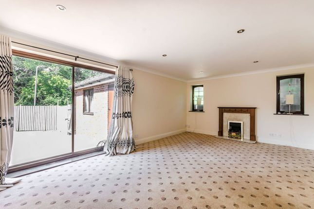 Thumbnail Detached house to rent in Brookfield Crescent, Kenton