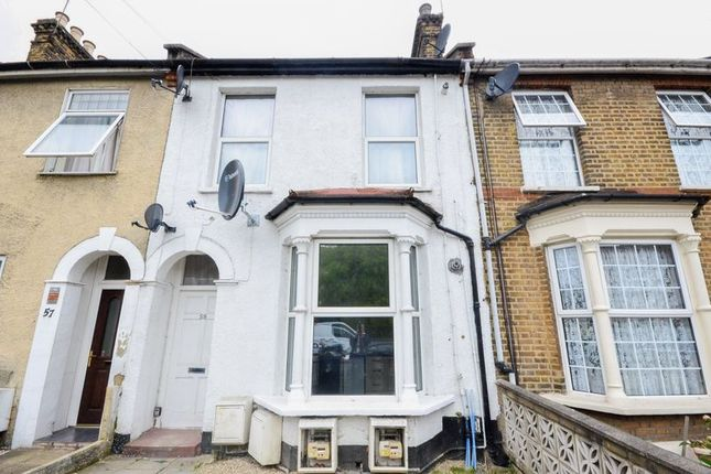 Thumbnail Flat for sale in St. Pauls Road, London