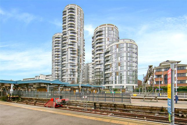 Flat for sale in Panorama Tower, 360 Barking, Barking