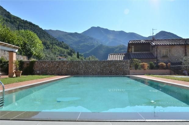 10 bed property for sale in Villa Gello, Camaiore, Tuscany, Italy