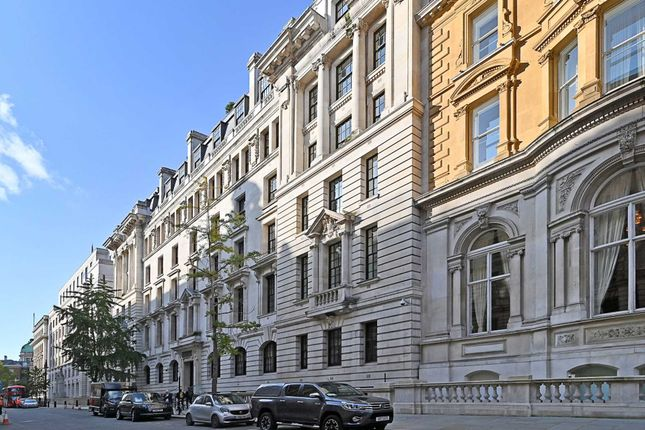 Thumbnail Flat to rent in Corinthia Residences, Whitehall Place, London