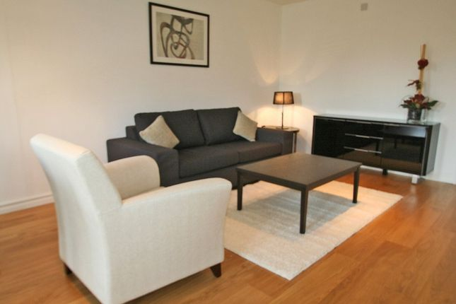 2 bed flat to rent in Mill Street, Oxford