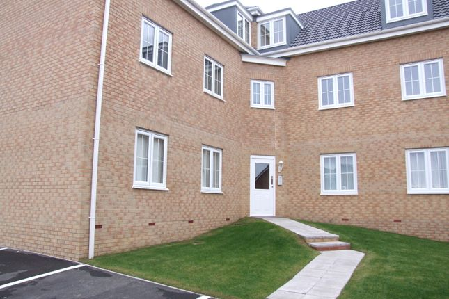 Thumbnail Flat to rent in Woodside Court, Middleton, Leeds