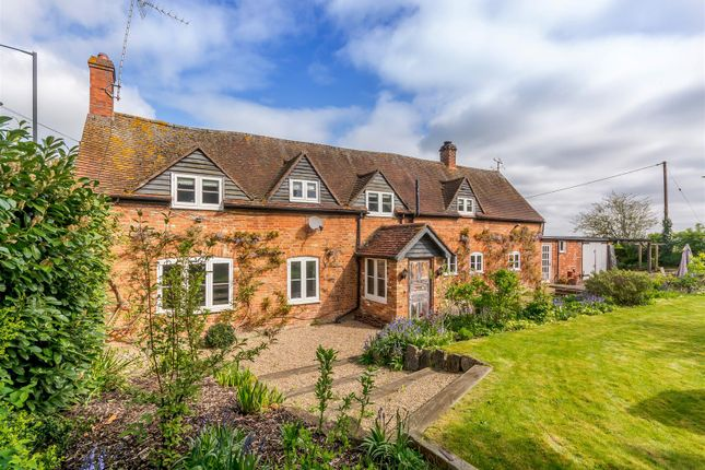Thumbnail Country house for sale in High Street, Waddesdon, Aylesbury