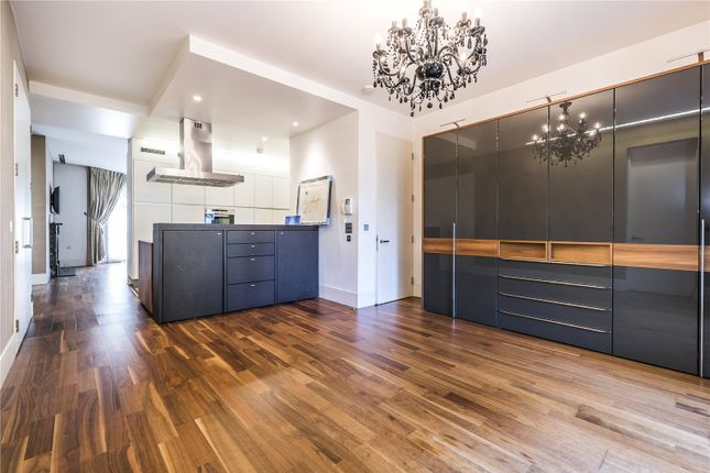Thumbnail Flat for sale in Carlton Drive, London